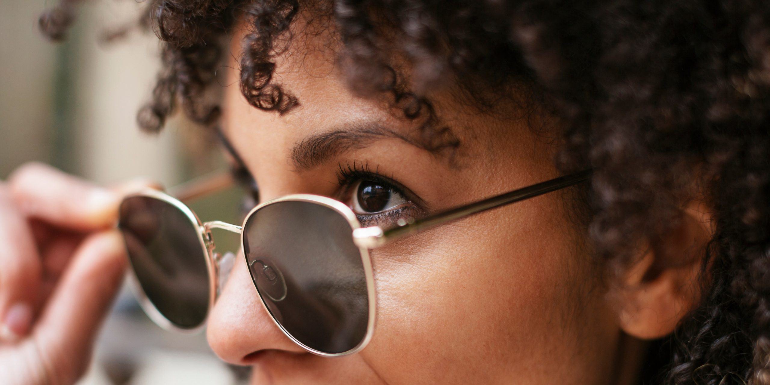 best sunglasses for women sensitive to glare